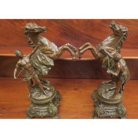 A PAIR OF BRONZED FIGURES