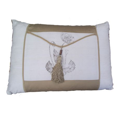 Cushion E (Gold Ivory)