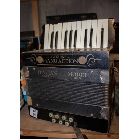 Small accordion