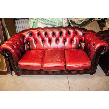 3 seater red chesterfield sofa