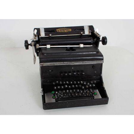 Triumph toy typewriter